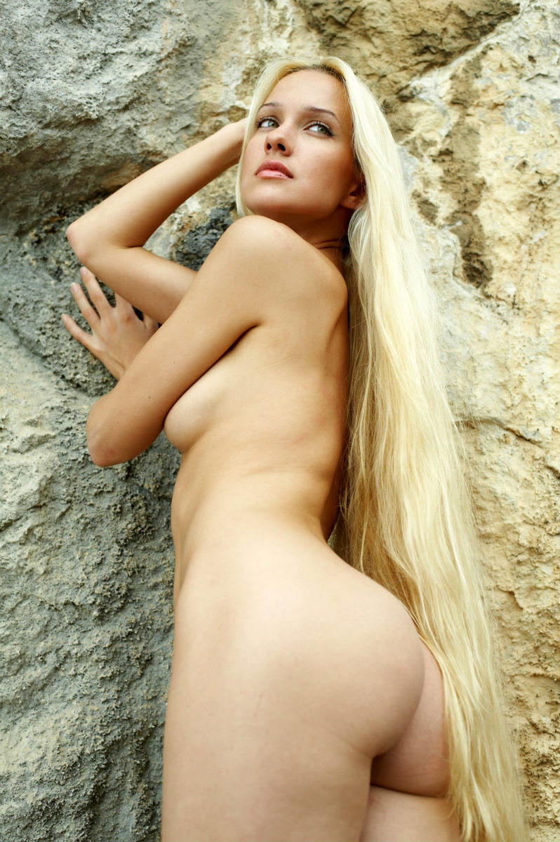 Very sexy long haired nudes