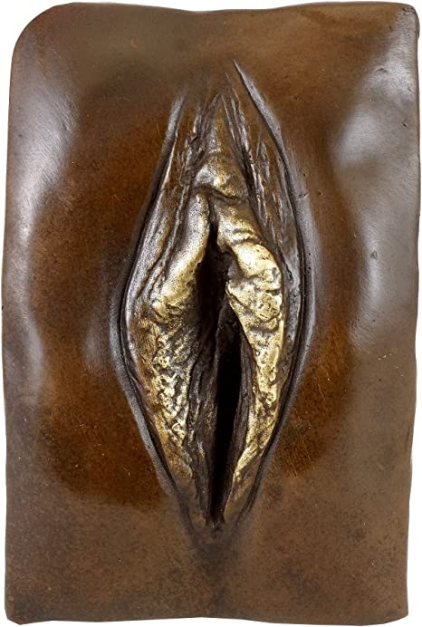 Nude statue of woman with vagina